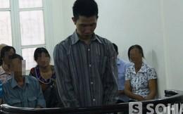 Không trả được nợ, bố đâm con gái 4 tháng tuổi suýt chết
