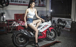 Siêu mẫu Hà Phương khoe eo thon, chân dài bên Yamaha R15