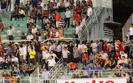"""U19 thua đau, NHM Việt lũ lượt bỏ về khi """"tiệc chưa tan"""""""
