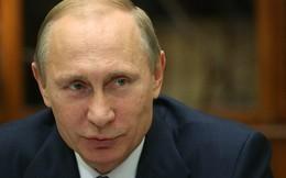 Thợ rèn Donetsk chế vỏ đạn pháo thành vương miện tặng Tổng thống Putin