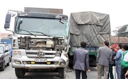 Gây tai nạn, tài xế cố thủ trên xe khiến quốc lộ 1A kẹt cứng