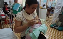Bệnh viện Nhi đồng: Bé gái sinh non nặng 8 lạng, sống sót kỳ diệu