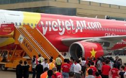 """""""Bắt mạch"""" những khó khăn của hãng hàng không Vietjet Air"""