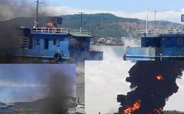 Thuyền cá bốc cháy dữ dội, 4 ngư dân thương vong