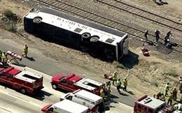 Xe tải đâm xe bus, 8 người thiệt mạng