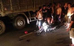 Xe máy đối đầu xe giường nằm, 1 phụ nữ bị thương nặng