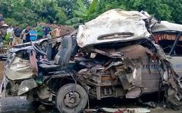 Phú Thọ: Xe khách đâm container kinh hoàng, 12 người thương vong