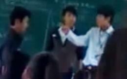 Một giáo viên bị hành hung ngay trên bục giảng