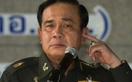 Thủ tướng Thái Lan bị phe đối lập dùng bùa ngải hãm hại?