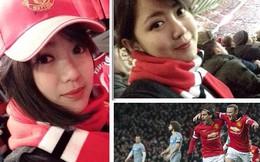 Nụ cười dễ thương của fan nữ Việt tại Old Trafford