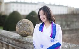 Bộ ảnh mỹ nữ TQ diện Hán phục giữa trời Anh gây bão trên mạng