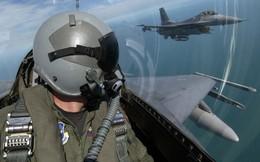 Trở thành phi công Hải quân hay phi công Không quân Mỹ khó hơn?
