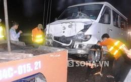 Xe tải nổ tung bánh gây tai nạn liên hoàn, hành khách kêu cứu