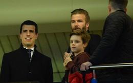 Bố con nhà Becks dở khóc, dở cười vì Chelsea – PSG