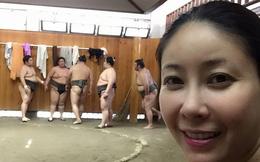 Hoa hậu Hà Kiều Anh thích thú xem đấu vật Sumo