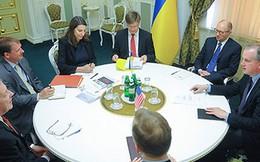Thủ tướng Yatseniuk đề nghị Mỹ 'mua đứt' Ukraine