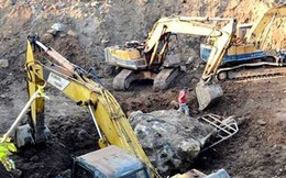 """Vụ """"bắt giữ hòn đá 30 tấn"""": Chủ rẫy có """"khai thác khoáng sản""""?"""