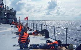 Lính Hải quân bắn hạ mục tiêu trên biển, trên không