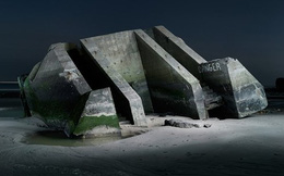 Hình ảnh boongke Đức quốc xã bỏ hoang 70 năm sau Thế chiến II