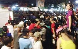 TP.HCM: Dân vây kín kênh xem vớt xác chết