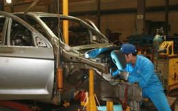 """Báo hiệu """"cái chết"""" của ngành ô tô?: Cửa hẹp nhưng còn cơ hội"""