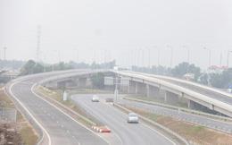 Lạ: Xe CSGT dẫn nông dân đi xem cao tốc đẹp nhất Việt Nam