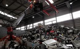 300 tấn vàng đổ ra bãi rác trong năm 2014