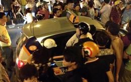 Taxi gây tai nạn, hất nạn nhân lên nắp capo rồi bỏ chạy