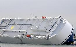 Tàu 51.000 tấn chở 1.400 xe hơi lao thẳng lên bờ biển