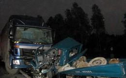 Hai xe tải húc nhau, lái xe và phụ lái chết trong cabin