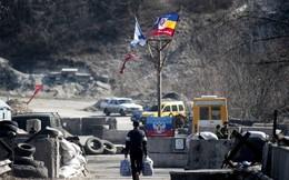 """Quân đội Kiev bị tố đặt mìn """"thổi bay"""" người dân ở miền Đông"""