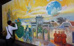 Nhóm thanh niên viết bậy nơi cửa Phật gây bức xúc