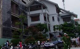 Sập giàn giáo khi xây nhà, 3 người rơi từ tầng 12 xuống đất