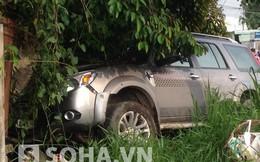 Một thai phụ nguy kịch vì bị xe du lịch kéo lê gần 10 mét