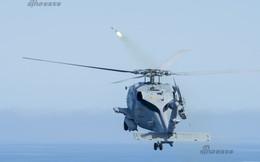 [ẢNH] Trực thăng MH-60R Seahawk khai hỏa tên lửa