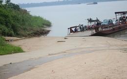 Người thân đau đớn thấy thi thể nữ sinh trôi trên sông Hồng