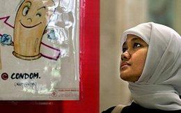 """Indonesia: Cấm bán bao cao su để ngăn """"ăn cơm trước kẻng"""""""