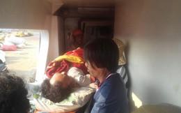 Một ngư dân bị thương nặng khi bị tàu vỏ sắt đâm, húc ở Hoàng Sa