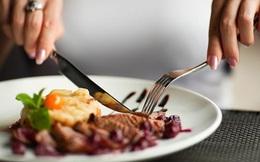 Lác mắt trước quy trình sản xuất vật dụng không thể thiếu trong mỗi bữa ăn đồ Tây
