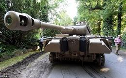"""Cụ ông U80 """"giấu"""" xe tăng, đại pháo ngay trong nhà"""