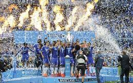 """Chelsea mừng vô địch, Liverpool tặng quà """"lởm"""" cho Gerrard"""