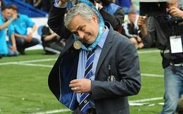 """Jose Mourinho lại """"ném"""" huy chương vô địch Premier League"""