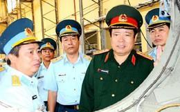 Bộ trưởng Phùng Quang Thanh kiểm tra các đơn vị thuộc Quân chủng PK-KQ khu vực Đà Nẵng