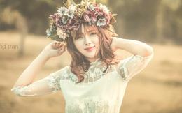 Thiếu nữ 9x xinh như hoa giữa đồng cỏ thơ mộng