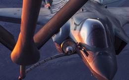 Cận cảnh siêu chiến đấu cơ F-35B Mỹ tiếp dầu trên không
