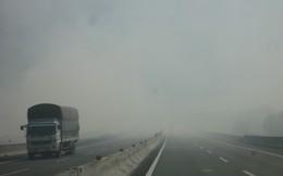 Khói mù mịt trên cao tốc TPHCM - Trung Lương