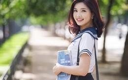 Hoa khôi SV Hà Nội đẹp tinh khôi bên ngôi trường cũ