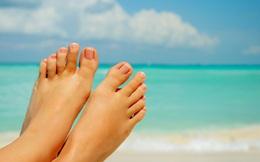 Cuối năm tự khử hôi chân hôi giày: Chỉ cần 10 giây!