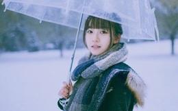 Hot girl trường Y đẹp long lanh dưới tuyết