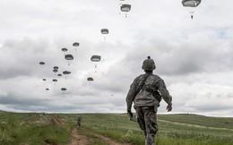 24h qua ảnh: Lính dù Mỹ tham gia tập trận của NATO